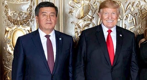 Trump e il presidente kirghiso Jeenbekov. Fonte: en.kabar.kg